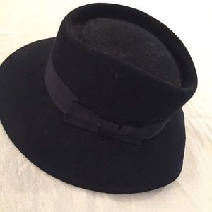 VINTAGE 100% wool black hat made in England